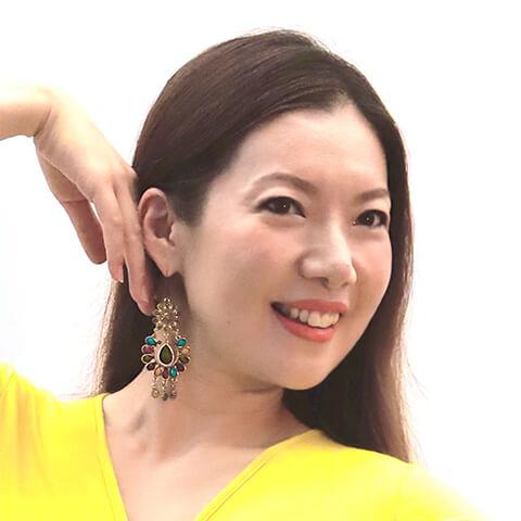 土屋 美希 様、シンガポールの顔写真
